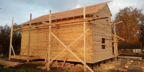 О строительстве домов из бруса. Обустройство фундамента