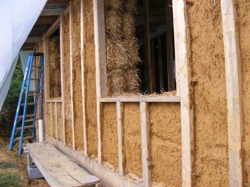 Какой материал для постройки дома самый лучший и выгодный по цене. Самые дешевые материалы для постройки дома – изготовленные собственноручно?
