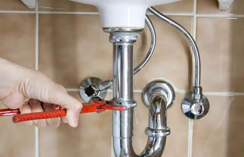 Замена водопроводной трубы. Некоторые рекомендации по выбору материала и инструмента