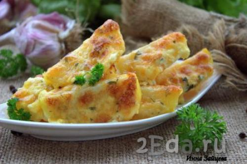 Отварной картофель запеченный в духовке с сыром и майонезом. Картошка под сыром с майонезом в духовке