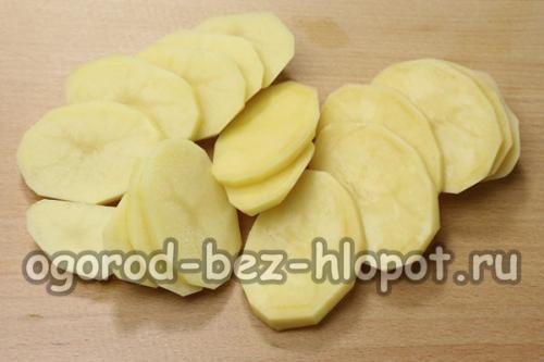 Картошка в духовке с майонезом и чесноком и сыром. Картофель запеченный в духовке с сыром, майонезом и чесноком