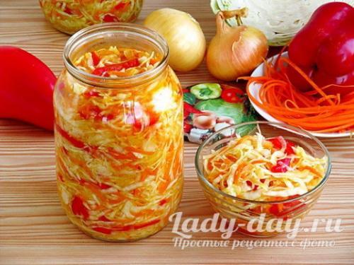 Салат на зиму из капусты моркови и болгарского перца. Вкусный салат из капусты на зиму: «Витаминный»