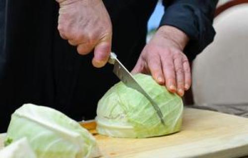 По каким дням квасят капусту. Когда солить капусту